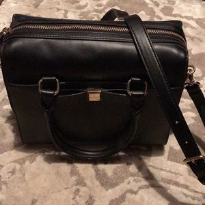 Kate Spade purse with cross body strap!